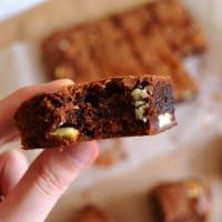 >Nutella ve Beyaz Çikolatalı Browni